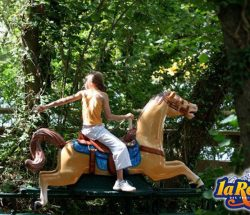 chevauchée sauvage pour les petits parc d'attraction en Bretagne