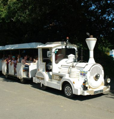 petit train au parc d'attraction en Bretagne
